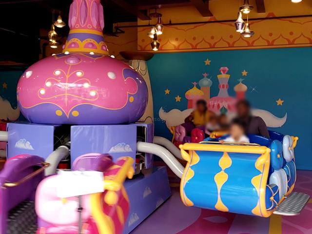Nickelodeon Nick Universe New Jersey ニコロデオン ユニバース アメリカ ニュージャージー NJ 屋内テーマパーク・遊園地 シマーアンドシャインの魔法のじゅうたん アトラクション