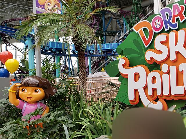 Nickelodeon Nick Universe New Jersey ニコロデオン ユニバース アメリカ ニュージャージー NJ 屋内テーマパーク・遊園地 ドーラの電車 ドーラのスカイレールロード
